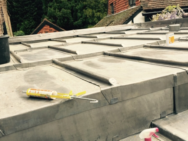 Roofers Crawley